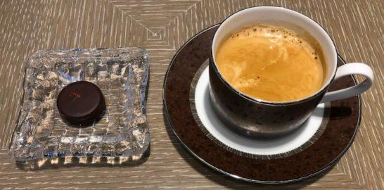 ダイナースクラブ 銀座プレミアムラウンジのブルガリイルチョコラートとコーヒー