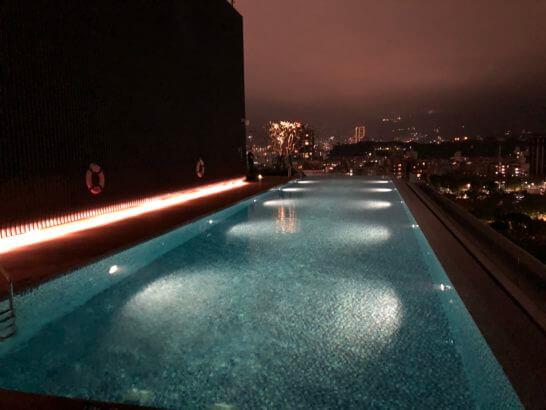 ルネッサンス台北士林ホテルのナイトプール (1)