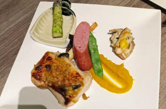 マリオット修善寺のディナーのメイン鶏肉料理