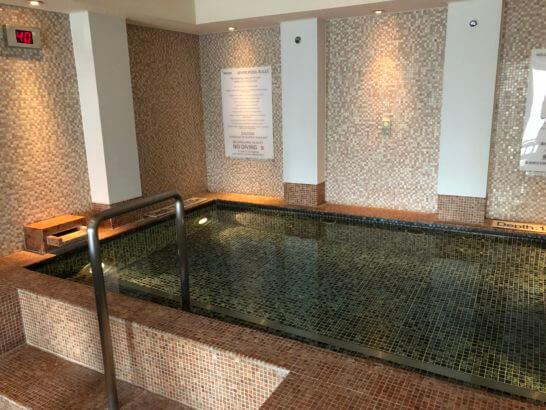 ウェスティンホテル東京のル・スパ・パリジエンのジャグジー (2)
