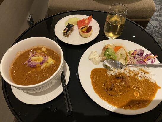 マレーシア航空のゴールデンラウンジの料理