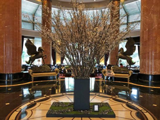 ウェスティンホテル東京のロビーラウンジ前の花