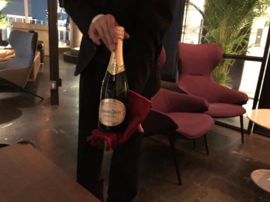 ラグジュアリーカードの優待特典のシャンパン