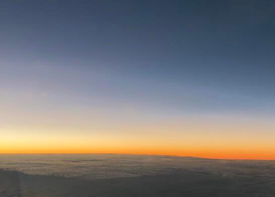 ANAの機中からの夕日と青空