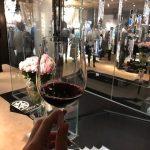ラリック銀座店でテイスティングする赤ワイン