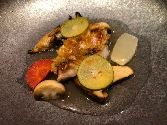 熊本県産キクイモのポタージュ フォワグラの西京漬けと深谷ネギのロースト