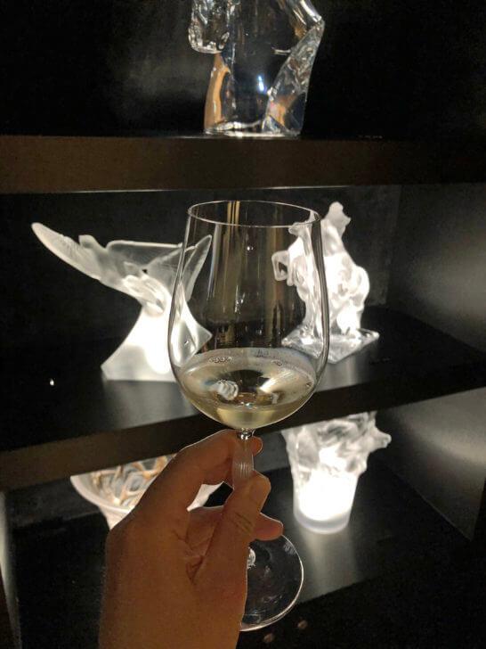 ラリック銀座店で飲む白ワイン
