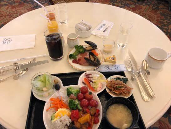 東京ディズニーランドホテルの朝食テーブル