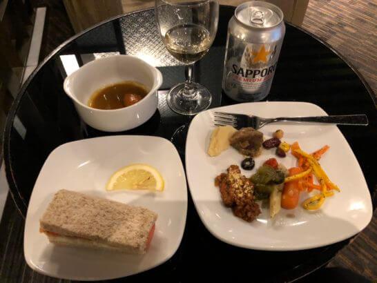 Dnata Loungeの食事・ワイン・ビール