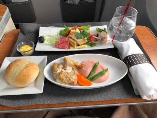 JAL国内線ファーストクラス(羽田-伊丹)の食事
