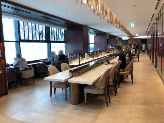 伊丹空港ダイヤモンドプレミアラウンジの室内 (1)