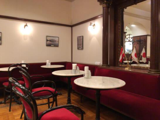 カフェ ウィーン 三越日本橋店の店内