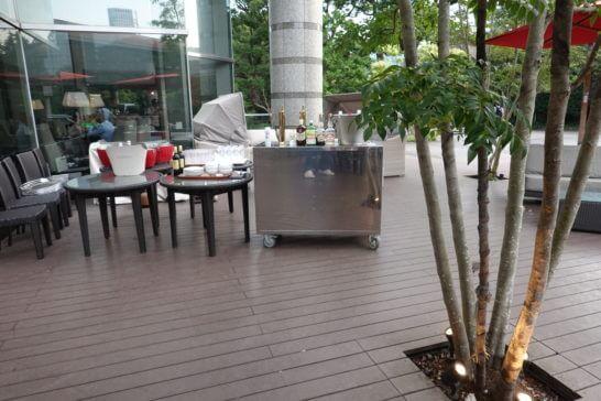 東京マリオットホテルのレストランのテラス席