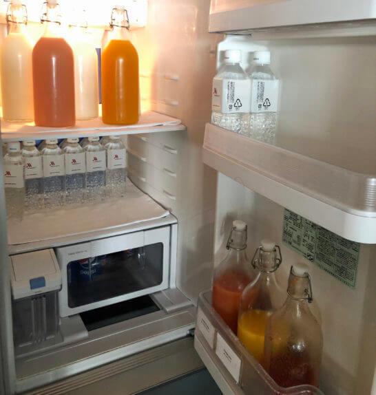 東京マリオットホテルのエグゼクティブラウンジの冷蔵庫