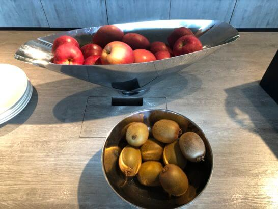 東京マリオットホテルのクラブラウンジのリンゴ・キウイ