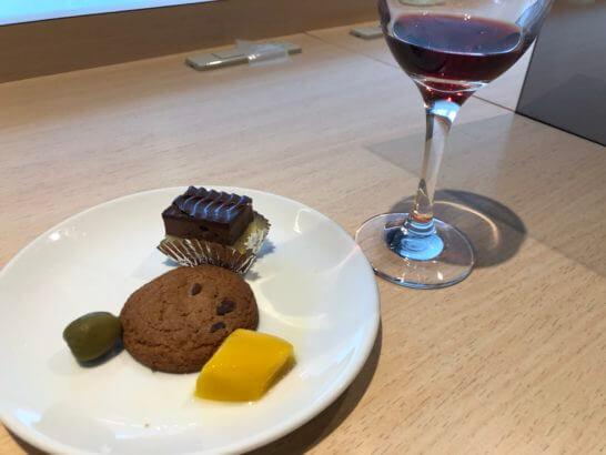 デルタスカイクラブ(成田空港)のケーキ・クッキー・フルーツ