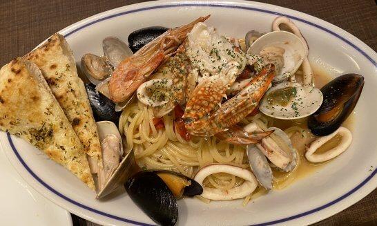イタリアンレストランでの食事