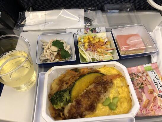 ANAエコノミークラスの機内食・スパークリングワイン