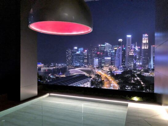JWマリオット シンガポールのナイトプール
