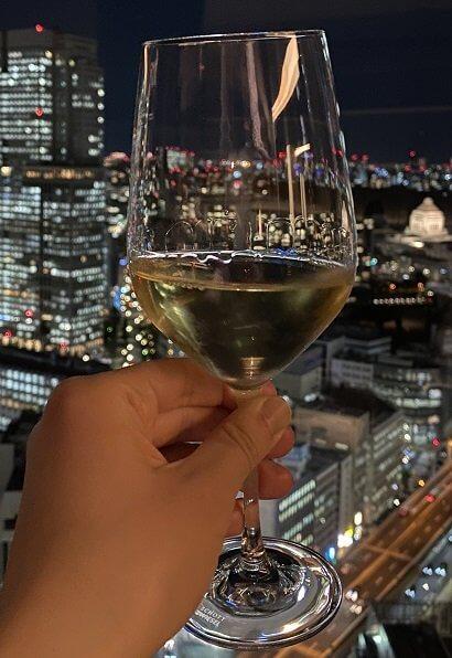 ラグジュアリーソーシャルアワーの白ワイン