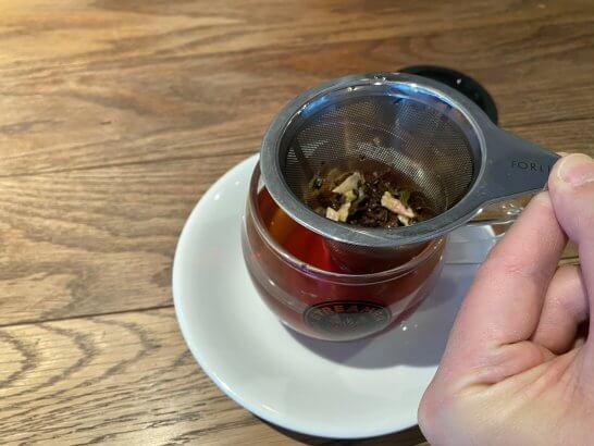 ストリーマーコーヒーのラグジュアリーティーの茶こし