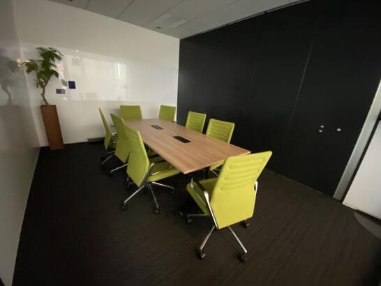 ビジネスエアポート青山の会議室