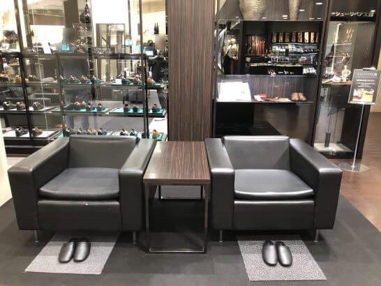 阪急メンズ大阪の靴売り場