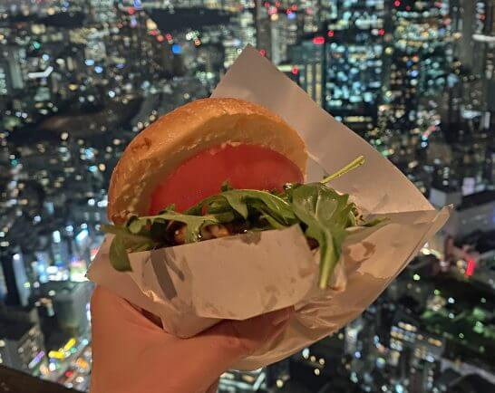 フィフティワンバーガーと夜景