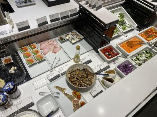 ANAスイートラウンジ(羽田)のオードブル・サラダコーナー
