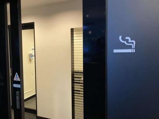 ANAスイートラウンジ(羽田T3)の喫煙室 (2)