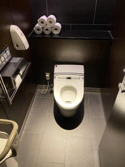 羽田空港ANAスイートラウンジのトイレ (3)