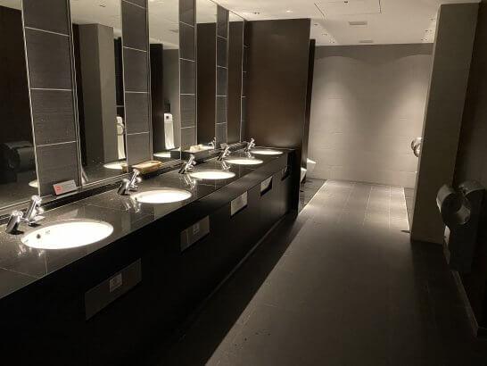 羽田空港ANAスイートラウンジのトイレ (2)