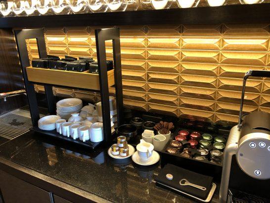 リッツカールトン東京の軽食時ドリンクコーナー