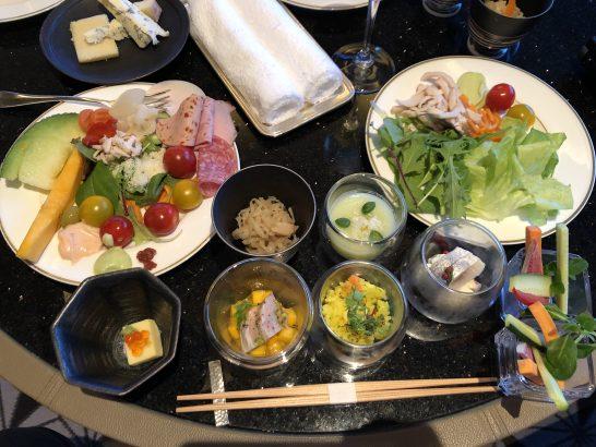 ザ・リッツ・カールトン東京のイブニングカクテルのコールドミール