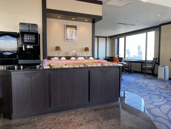 ウェスティンホテル大阪のエグゼクティブクラブラウンジのドリンクコーナー