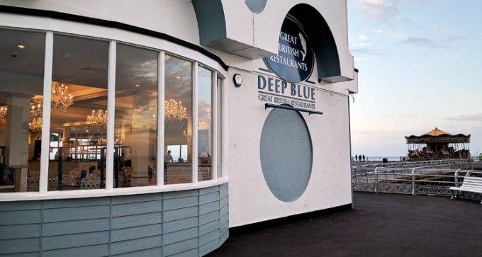 Deep Blue, exterior