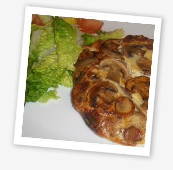 Mushroom omelette and salad