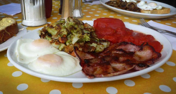 Breakfast with bubble and squeak