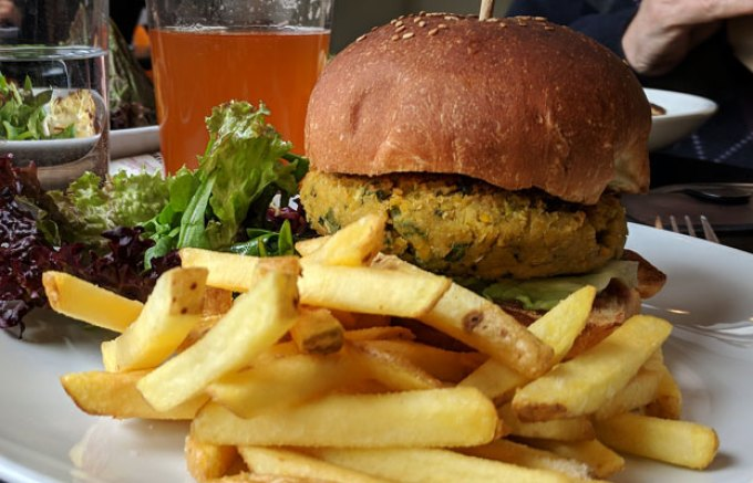 Waterfront: falafel burger