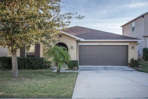 Front of 16428 Caju Rd Clermont FL