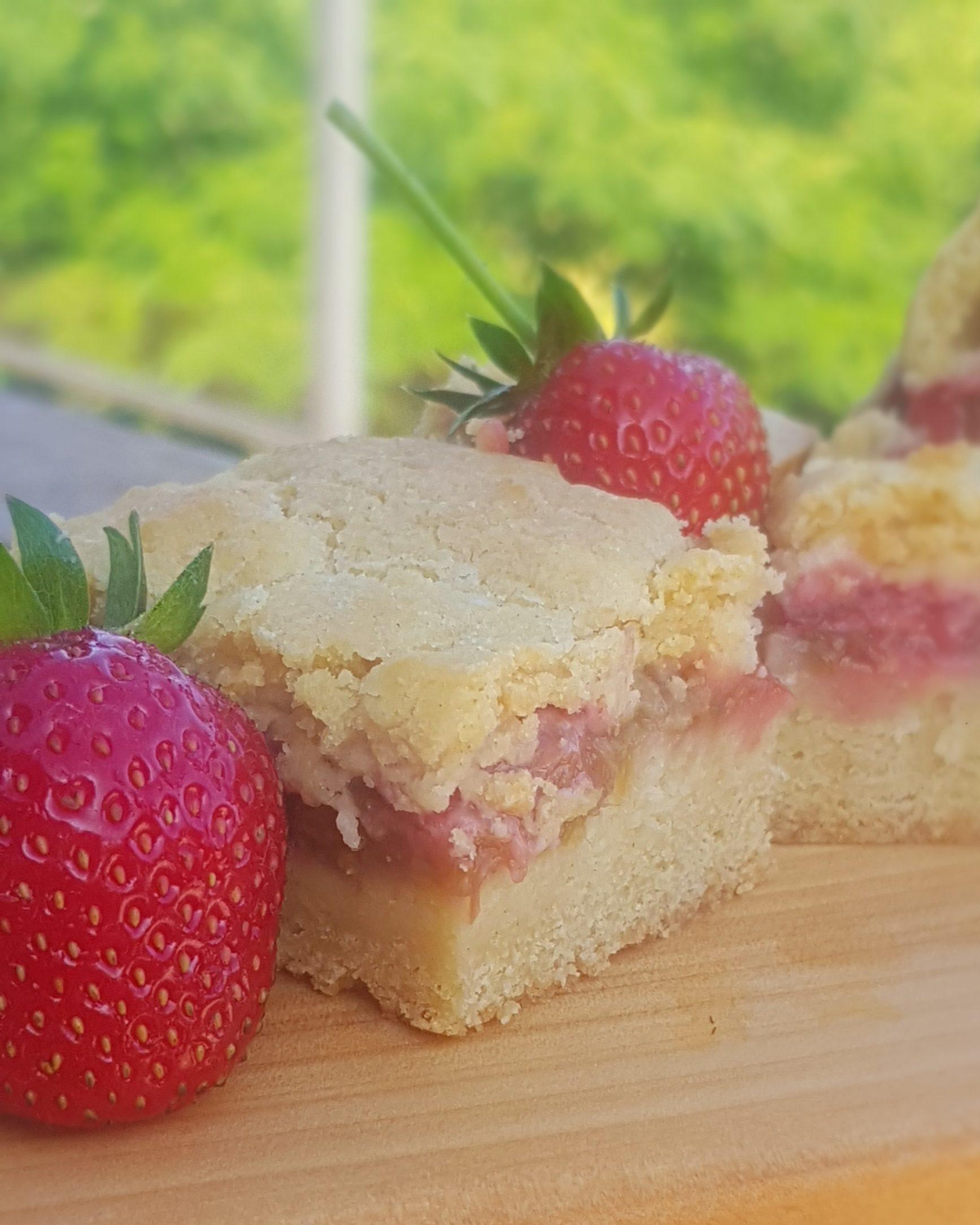 Strawberry & Rhubarb Shortcake Slice