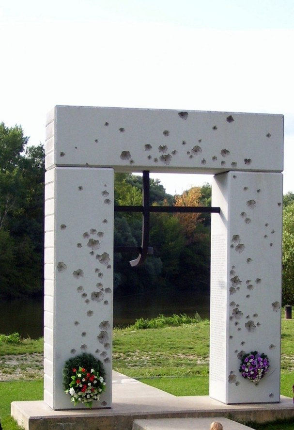 Memorial @ Devin