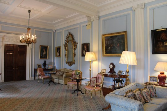 Living room where Anglo-Irish agreement was signed.