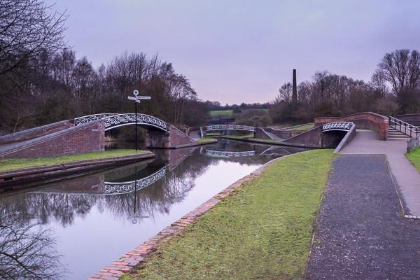 3 bridges span the Dudley No.2 canal