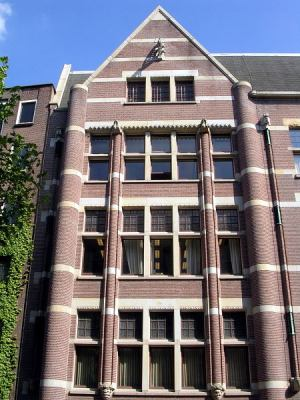 brick and stone on Spuistraat