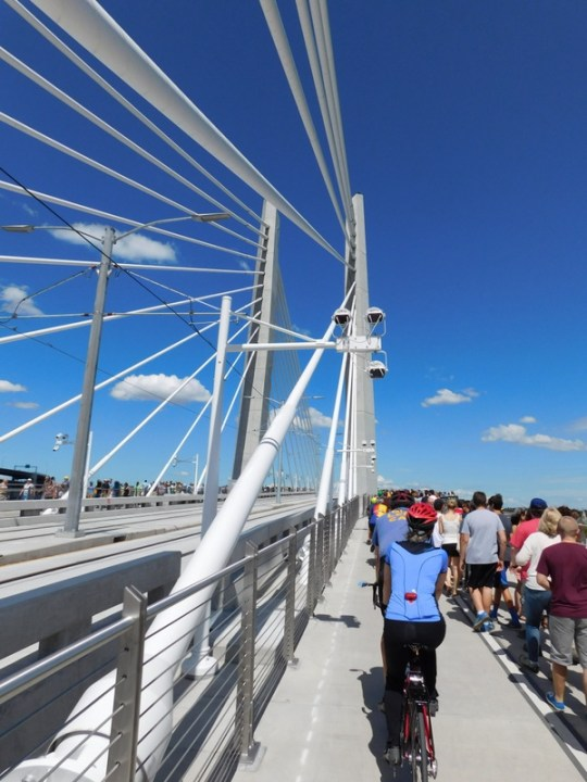 Tilikum Crossing during the brief afternoon opening to the public on 9 Aug 15