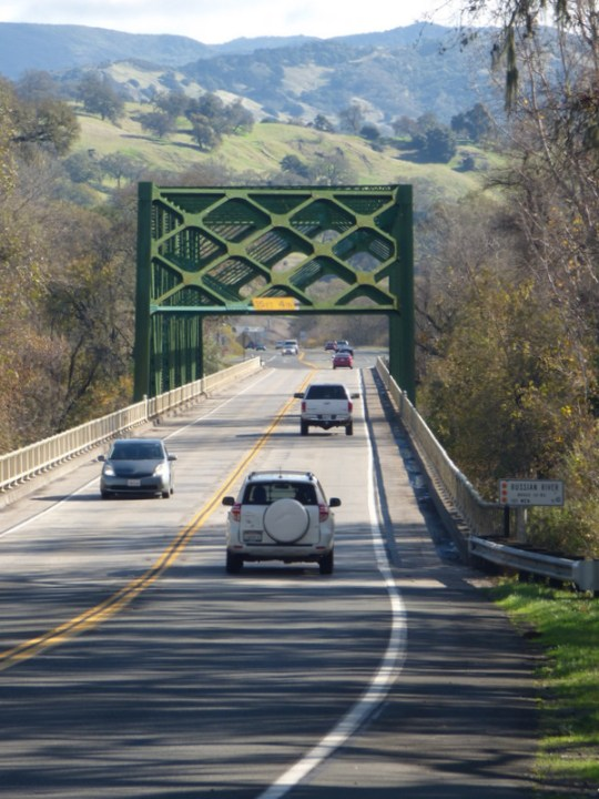 Russian River bridge on US-101 south of Hopland