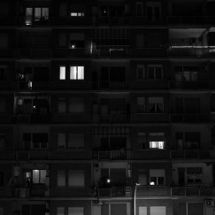 Some people singing from their balconies and their windows, like every night at 9:00 p.m., along with the rest of the neighbourhood. Rome, Italy 2020. © Matteo Bastianelli