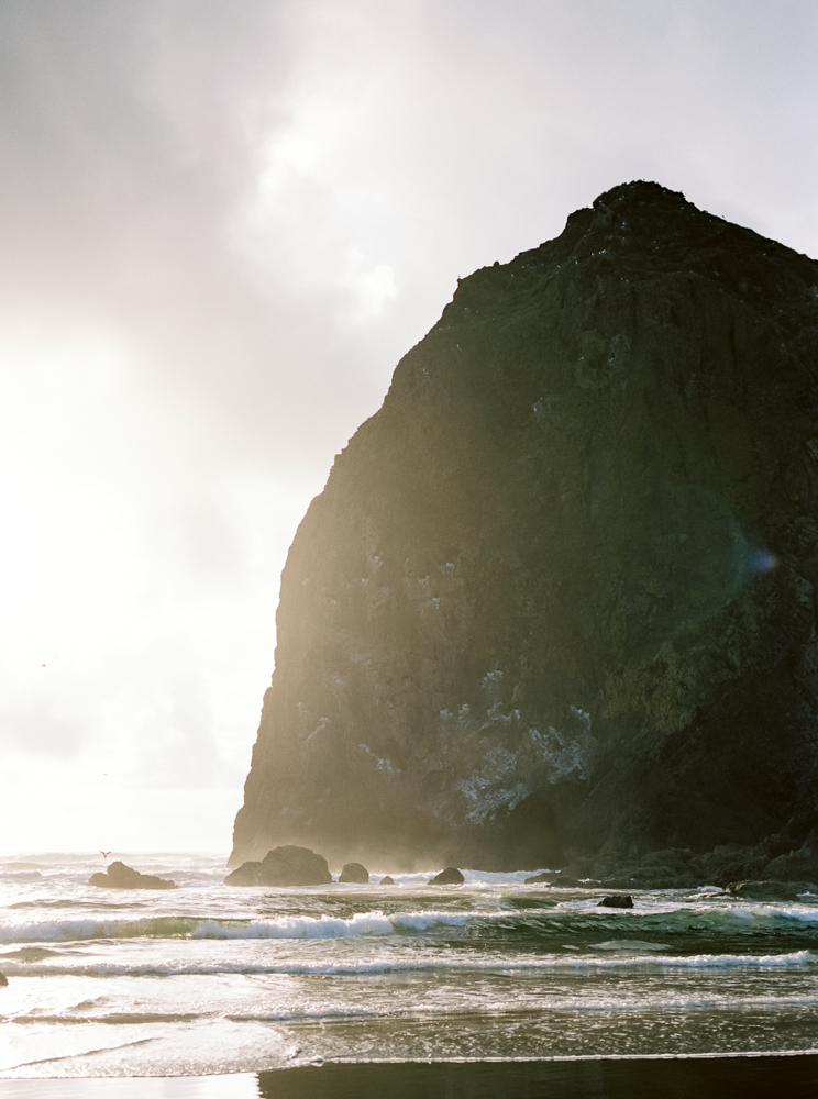 matt-erickson-photography-cannon-beach-enagement-photos-26.jpg