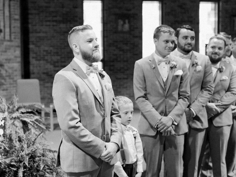 Romantic Summer Wedding in Ashland Ohio-15.jpg